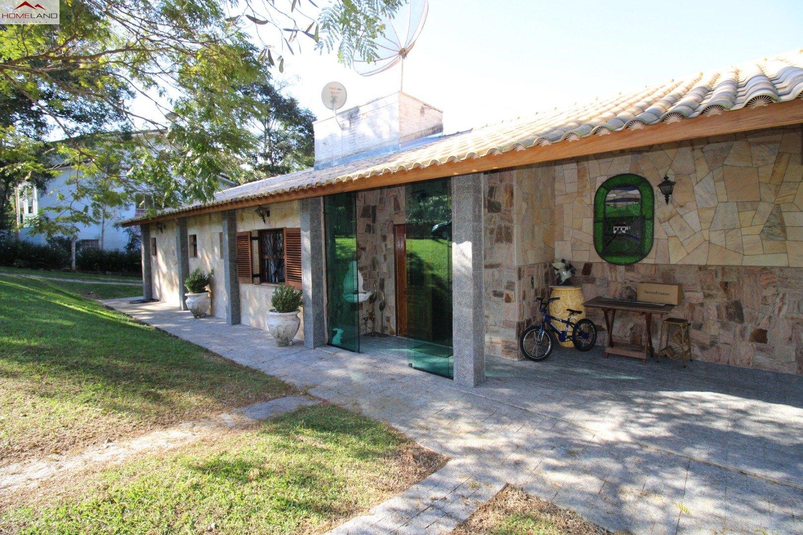 HL-227 Casa com 4 dormitórios no Patrimônio do Carmo R$ 900.000