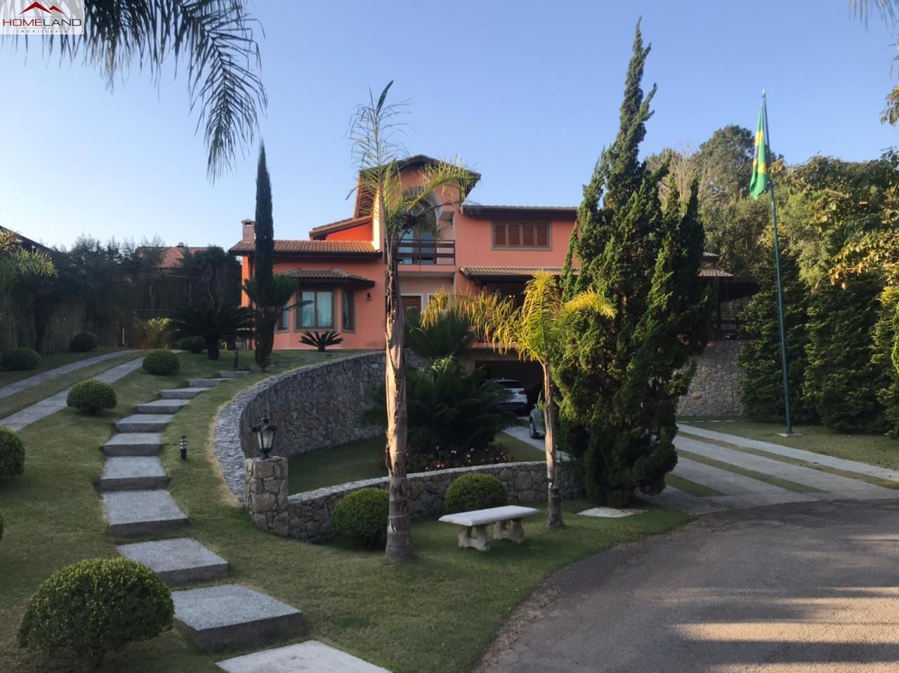HL-233 Casa completa com 5 suítes, 642m2 e uma vasto terreno de 1328m2