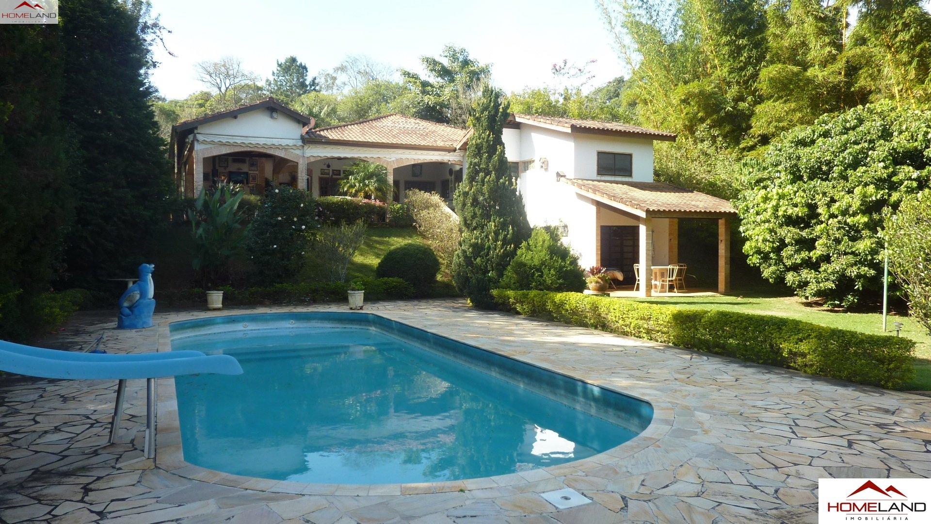 HL-136 Vende-se casa térrea com 5 dormitórios e área de lazer no Patrimônio do Carmo R$ 1.250.000