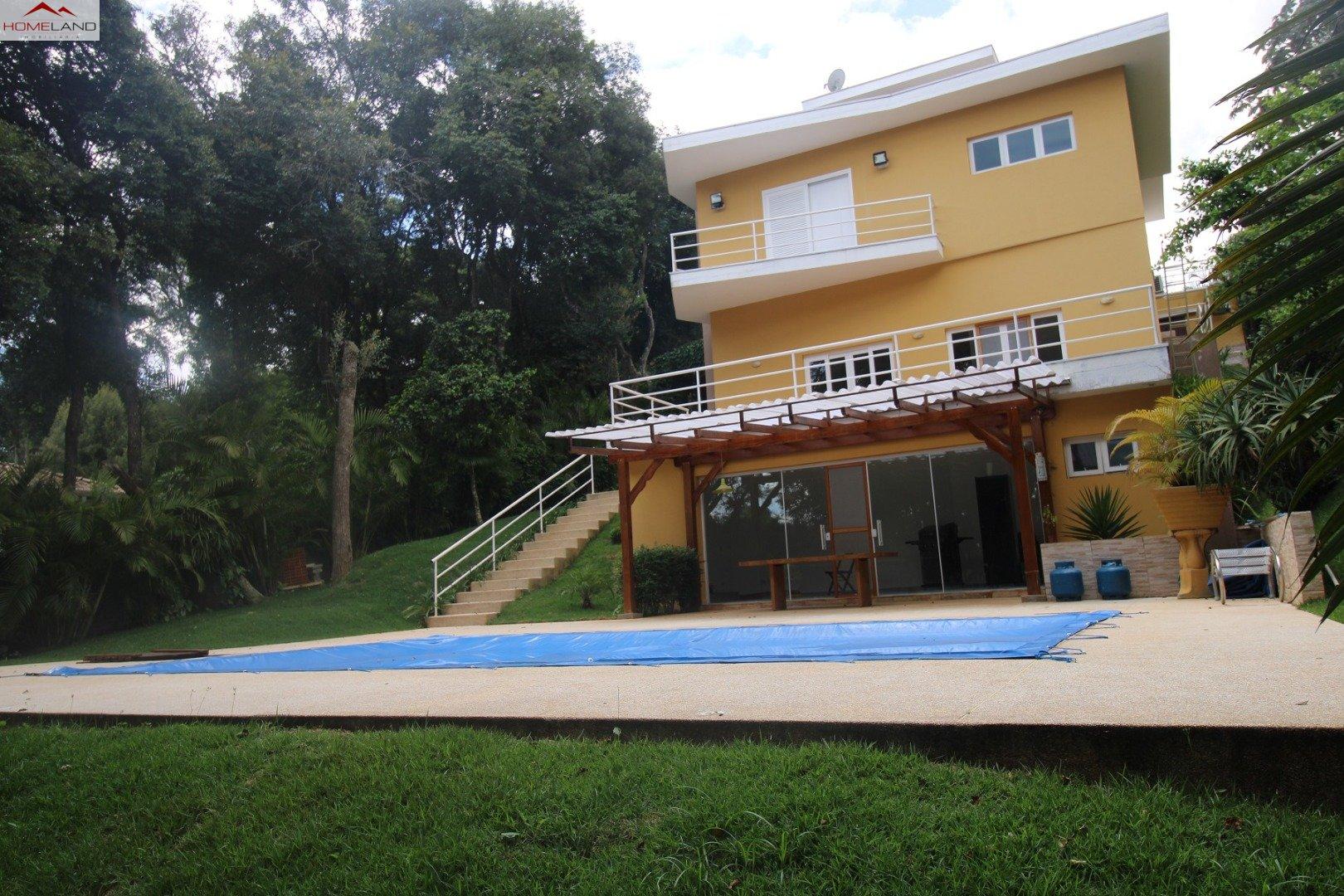 HL-214 Linda casa com 4 suítes em ótima localização no Patrimônio do Carmo. R$ 1.450.000