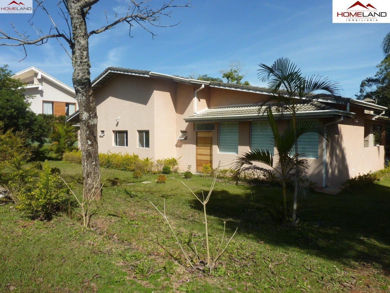 HL-133 Vende-se ou aluga-se casa térrea com 3 suítes, escritório e piscina no Patrimônio do Carmo  R$ 4 mil